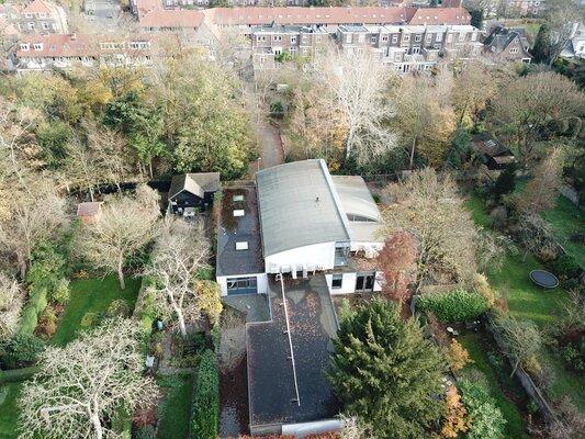 Op een unieke locatie in het Javabos nabij het centrum van Nijmegen verkocht fraai kantoorpand aan particuliere beleggers.